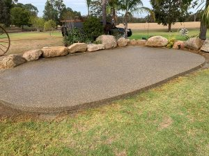 Exposed aggregate garden feature